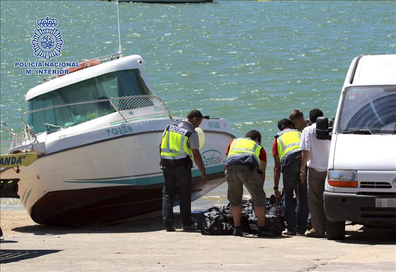Detenidas 17 personas e intervenidas 2,6 toneladas de hachís en Cádiz
