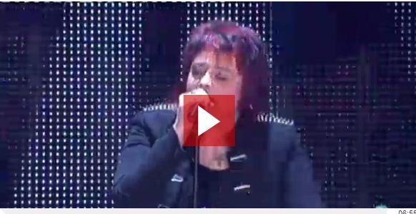 Equipo de Melendi: Maika se coloca en la final de »La Voz» cantando la canción »Cryin»