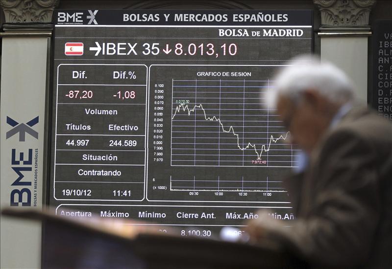 El IBEX se mueve sin tendencia definida y cae apenas el 0,08 por ciento