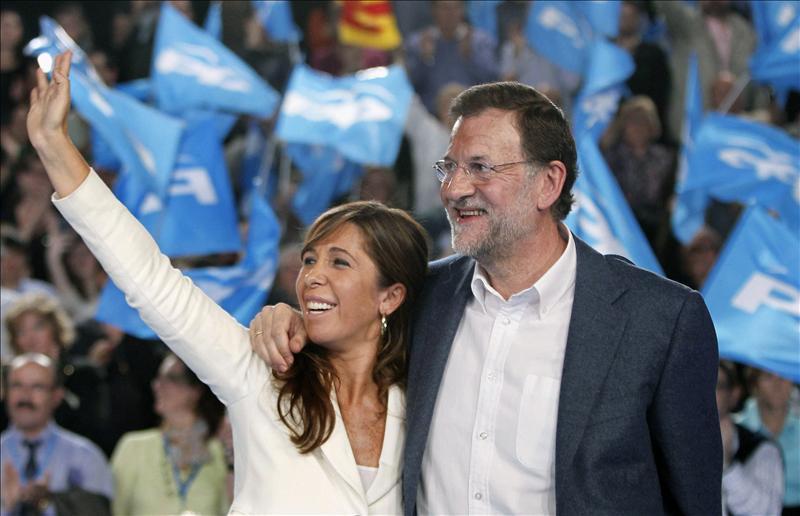 Rajoy afirma que Sánchez-Camacho ofrece la moderación tan necesaria hoy en Cataluña