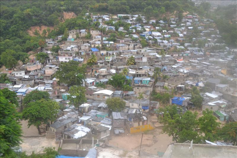 El huracán «Sandy» se encamina a Bahamas tras atravesar el este de Cuba