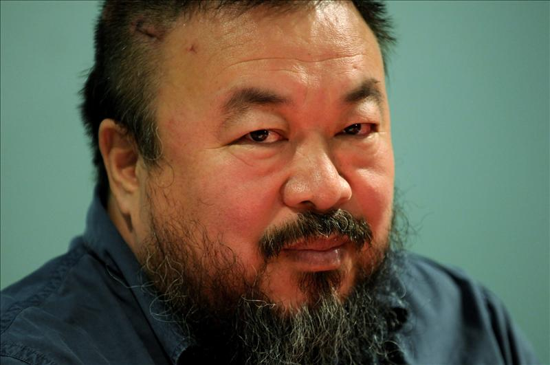 El disidente chino Ai Weiwei se une al furor mundial por el «Gangnam Style»