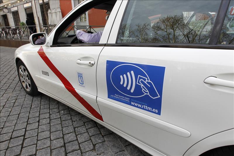 El PSOE cree que la ordenanza del taxi llega tarde y es insuficiente