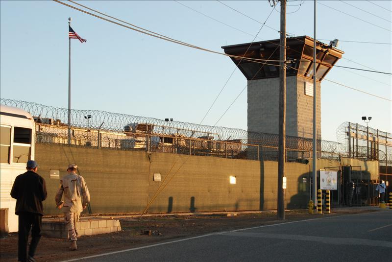 WikiLeaks revela documentos acerca del trato a reclusos en las cárceles de Irak y Guantánamo
