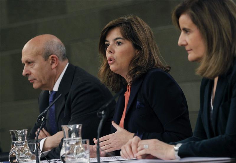 España tiene 840 coches oficiales y Estados Unidos… 412