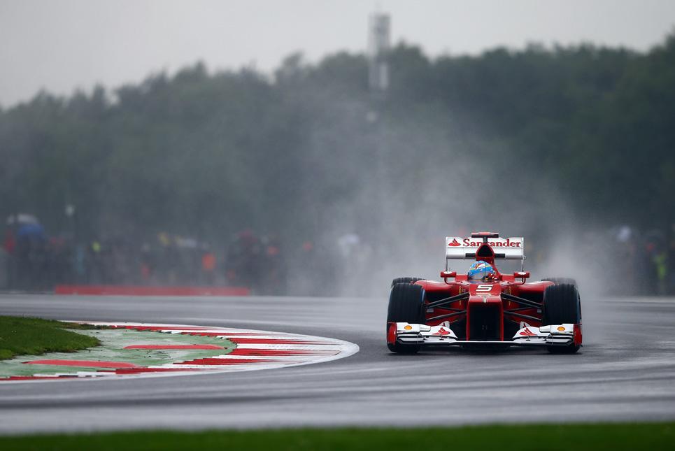 La lluvia será fundamental para la remontada de Alonso