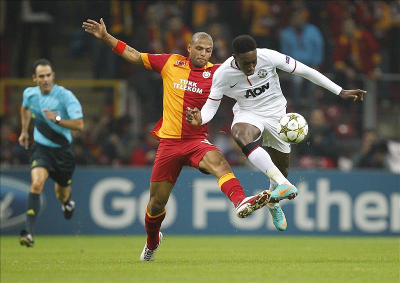 Un jugador se pone de portero y detiene un penalti en el último minuto