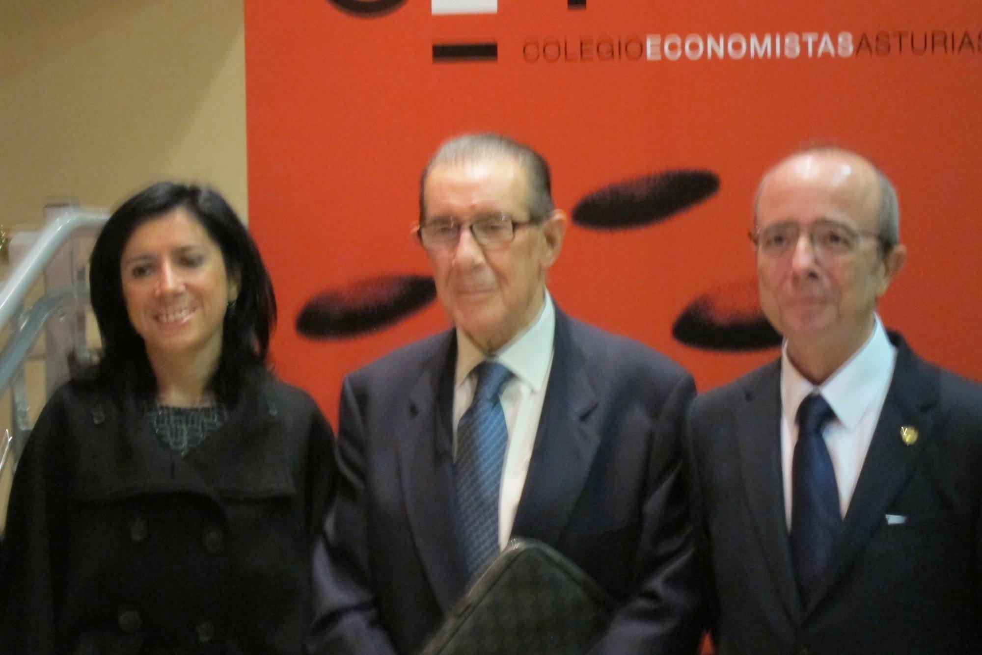 Juan Velarde cree que la falta de acuerdo sobre el presupuesto de la UE perjudica a España