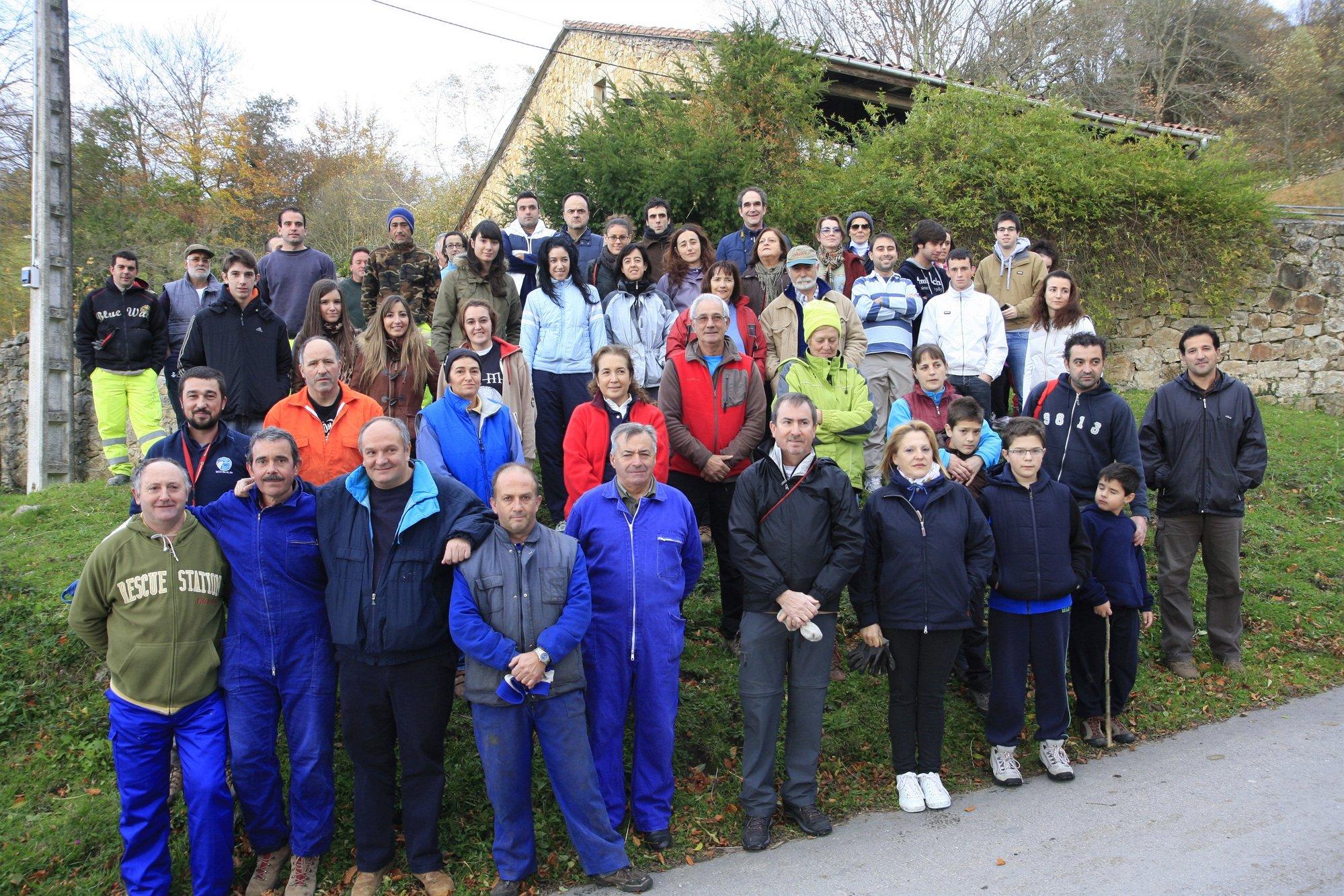 Más de 80 voluntarios participan en actividades de restauración ambiental en el valle de Toranzo