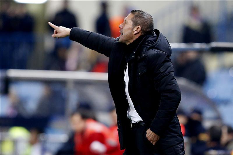 Al Atlético golea y mete miedo antes del derbi