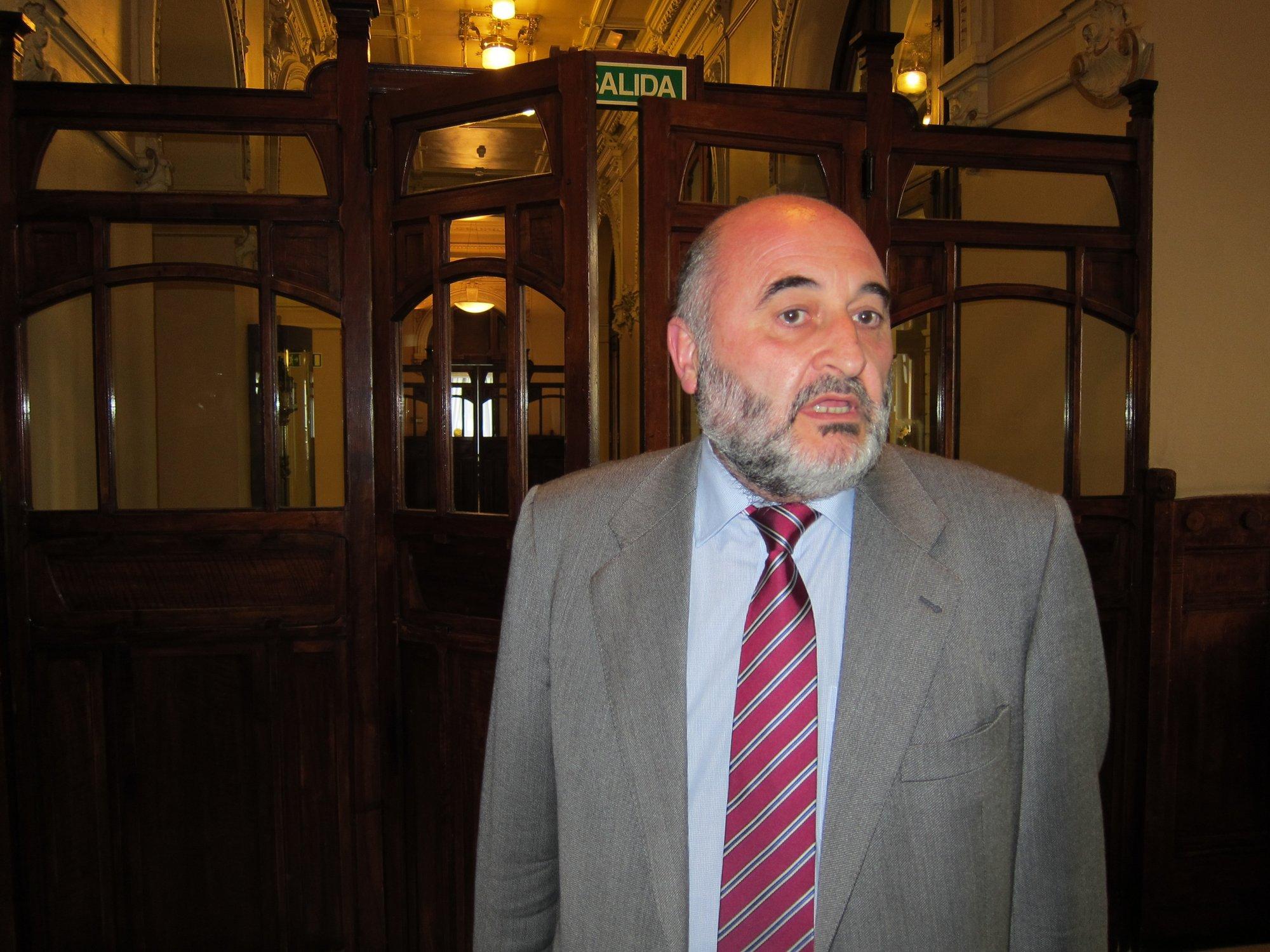 Avelino Viejo ofrece una conferencia en el ciclo del Ridea sobre el régimen local asturiano