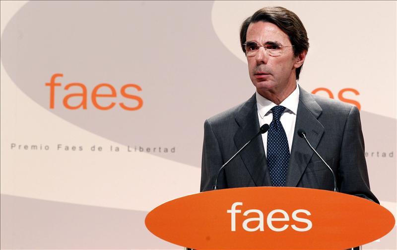 Aznar recuerda su primer mandato a través de los políticos que conoció