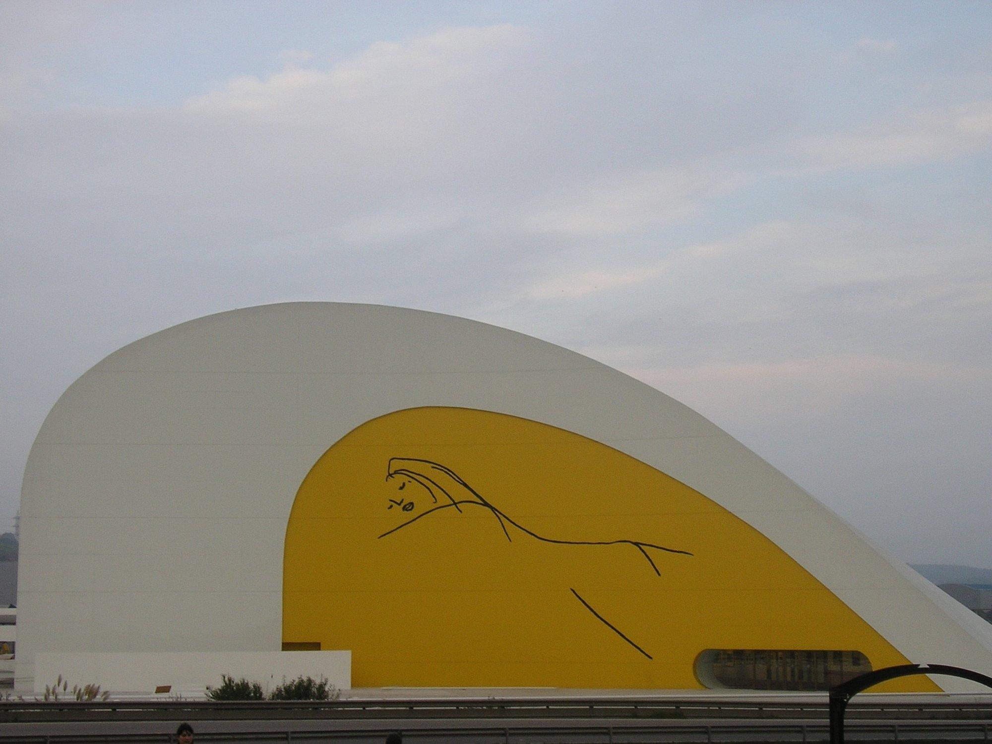 El Centro Niemeyer celebra el jueves el debate »La palabra escrita y la nube»