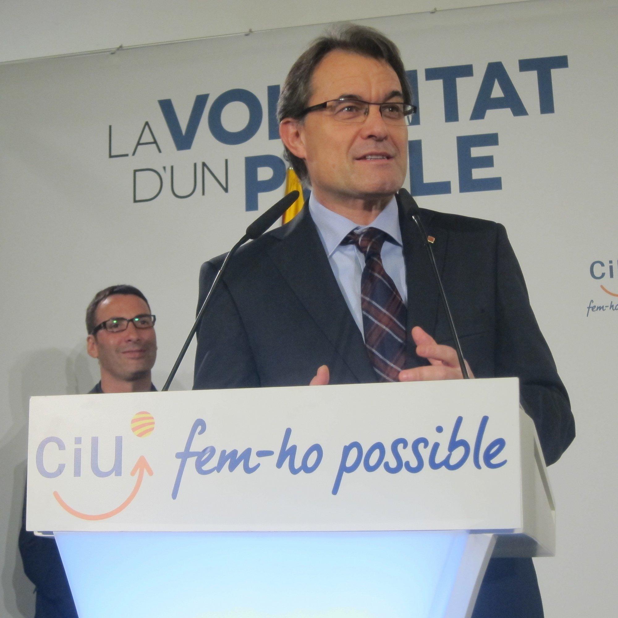 La CiU más soberanista gana las elecciones pero se aleja de la mayoría absoluta