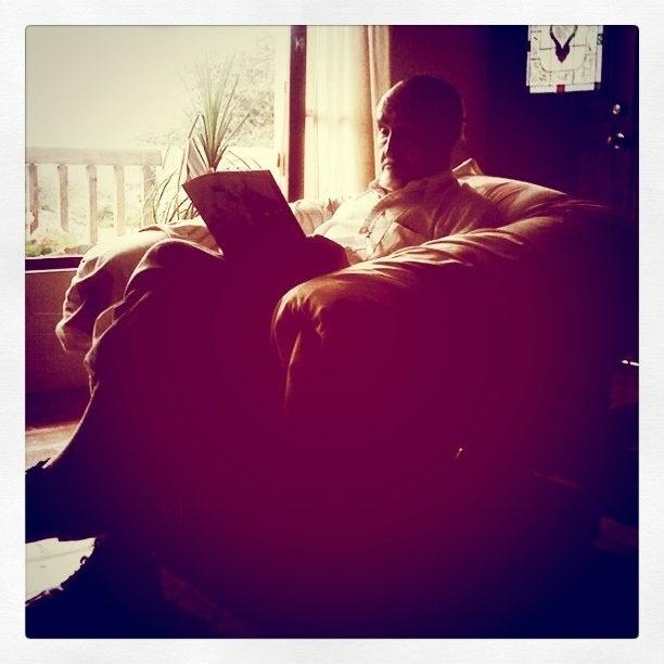 Leer, escribir y jugar ayudan a mantener sano el cerebro en el envejecimiento