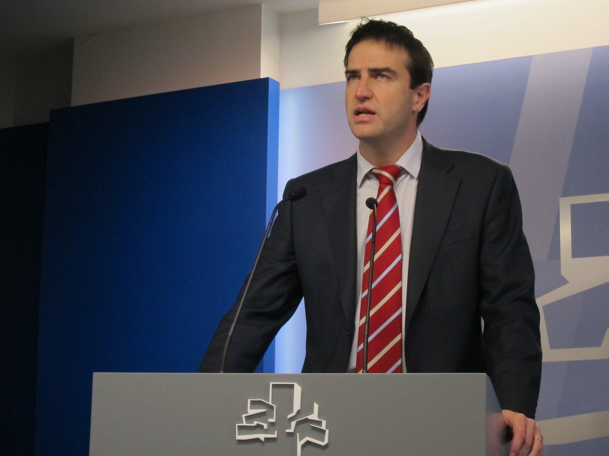 Maneiro (UPyD) dice que si EH Bildu no exige a ETA que se disuelva «volverá a demostrar que está a su servicio»