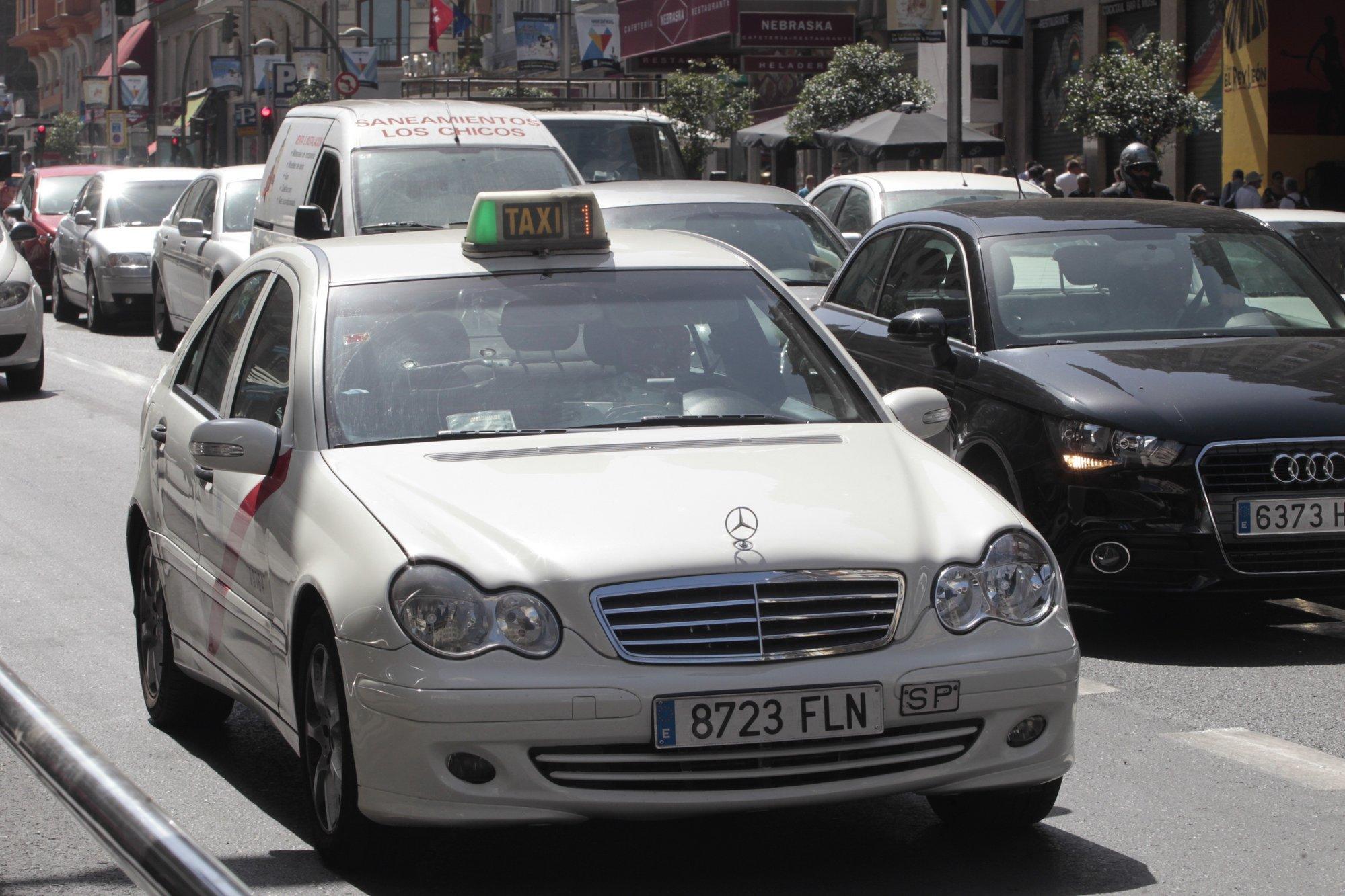 PSM cuenta por primera vez con un stand en la Feria del Taxi para mostrar sus propuestas al colectivo
