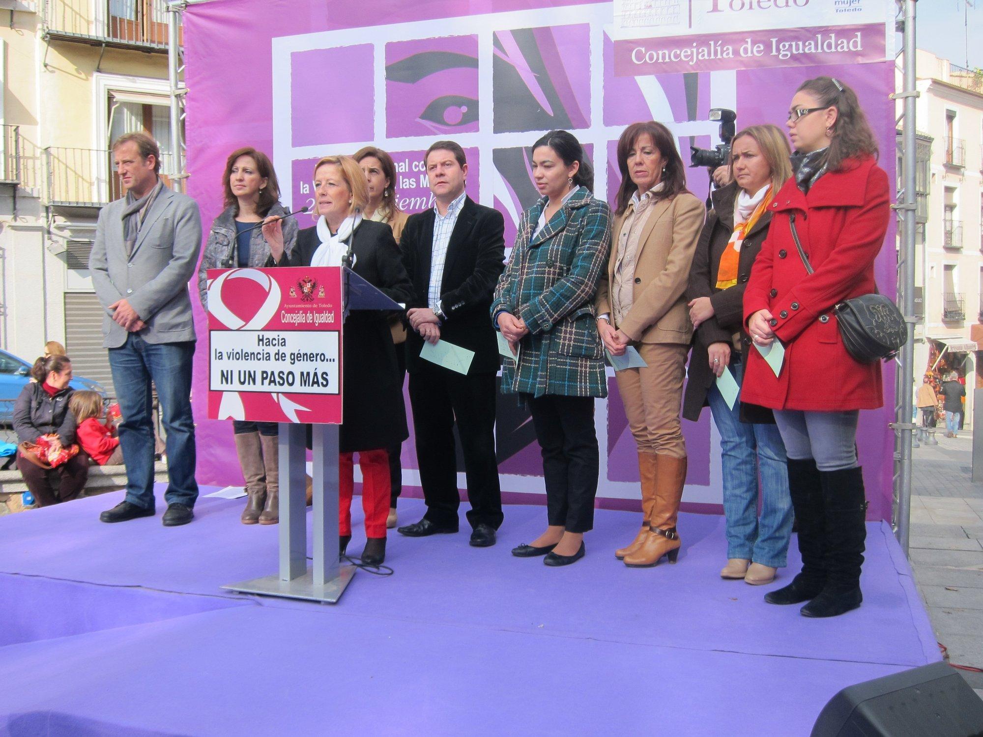 Toledo rinde homenaje a las 43 mujeres fallecidas este año a consecuencia de la violencia machista
