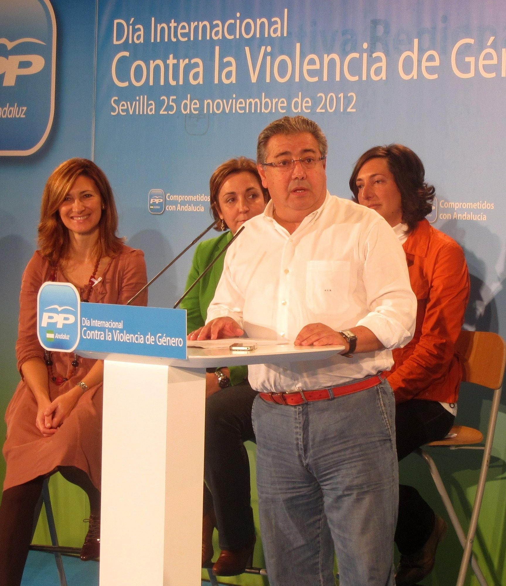 Zoido pide que «reine la normalidad» y que «se mantenga principio de unidad que ha permitido progresar a España