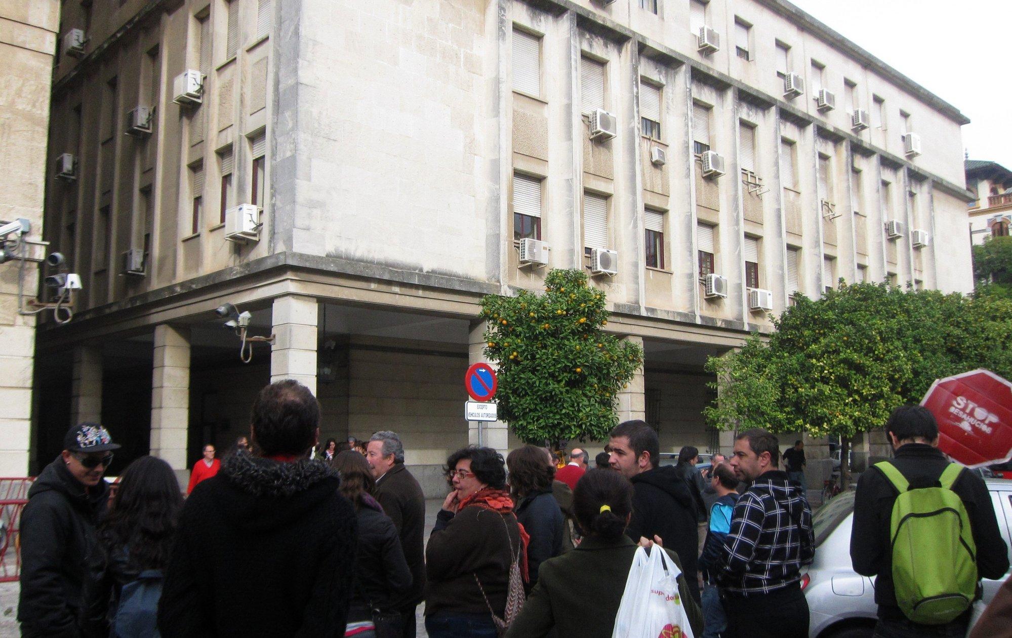 Los cinco detenidos en la ocupación de un edificio en la Alameda, a disposición judicial este domingo
