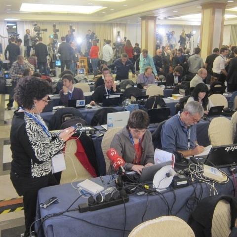 Más de 500 periodistas acreditados para seguir la noche electoral de CiU, 120 extranjeros