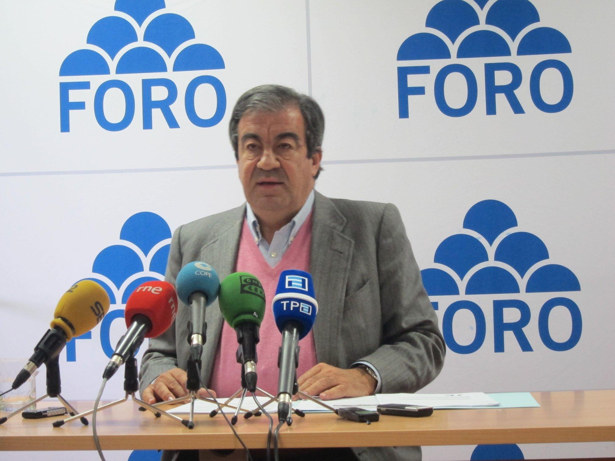 Cascos dice que Zapatero y Rajoy están favoreciendo mayorías nacionalistas en Cataluña y País Vasco