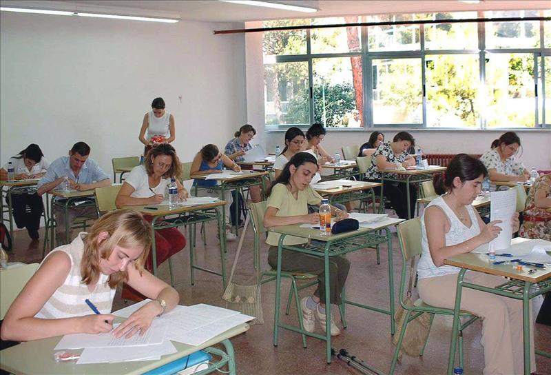 Castilla-La Mancha, la primera en convocar oposiciones para docentes, con 203 plazas