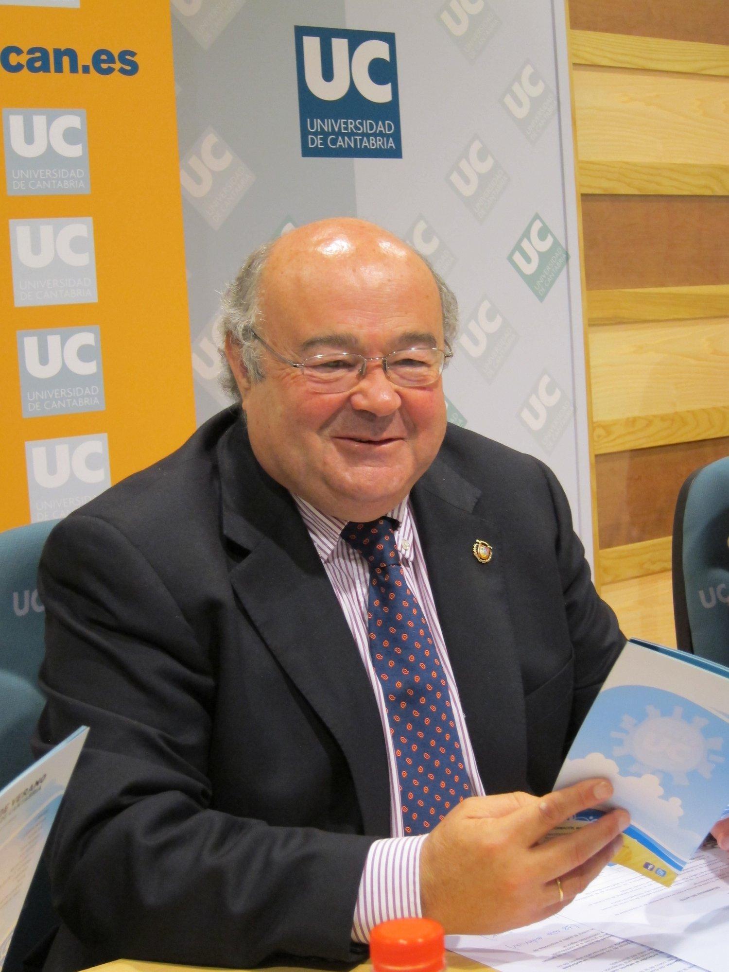 F.Al rector de la UC le parece «muy bien» el nuevo proyecto, que permite «seguir trabajando»