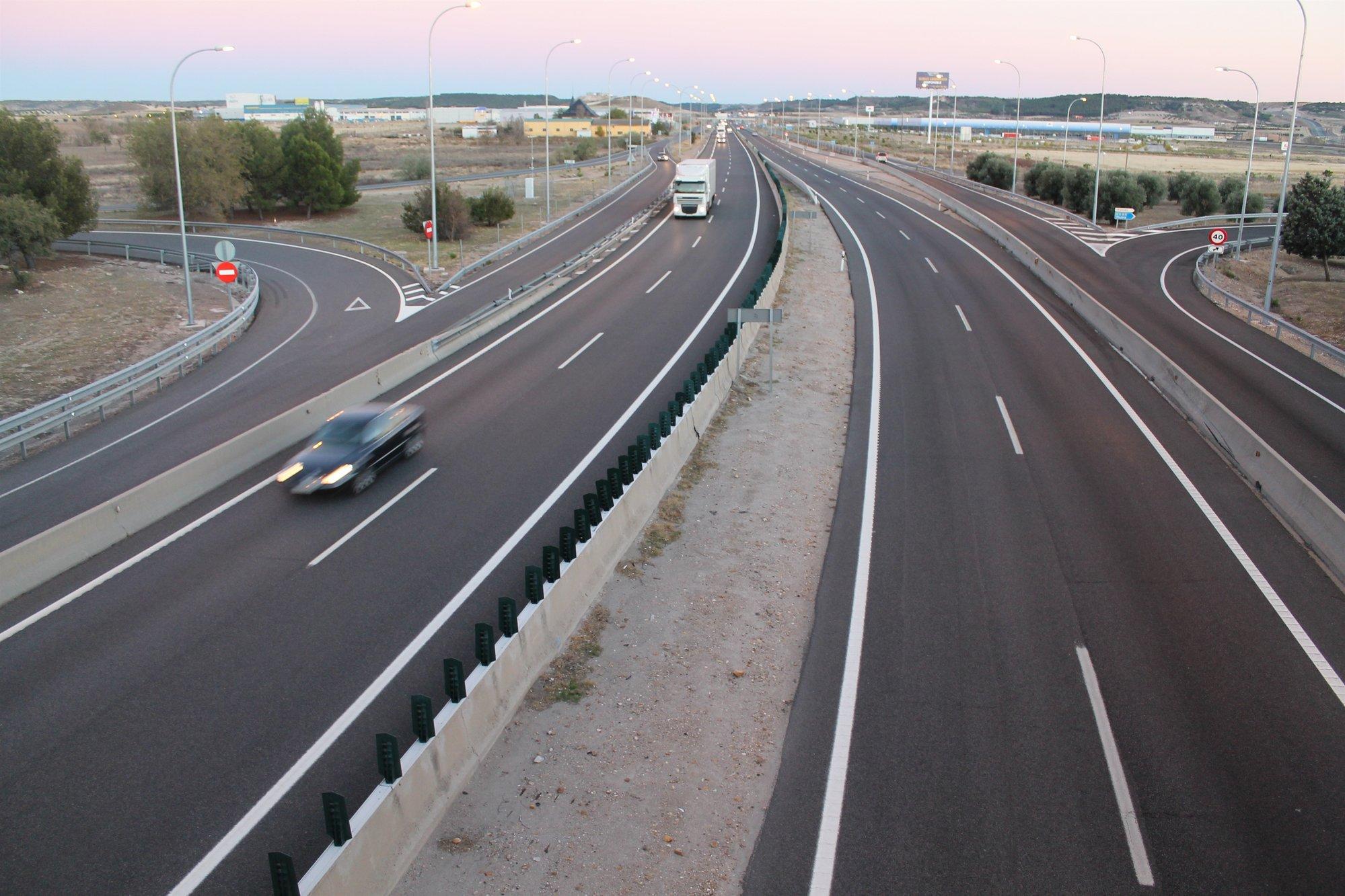 Fomento cree que no hay relación entre la falta de iluminación en las carreteras y la siniestralidad de accidentes