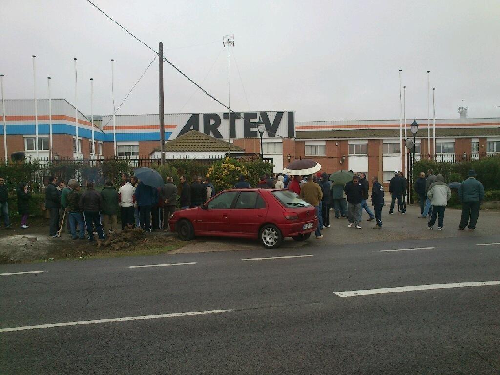 Guardia Civil impide que »Puertas Artevi» se lleve su stock en Villacañas al estar en concurso de acreedores