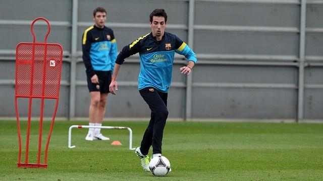 Isaac Cuenca vuelve a entrenar en el Barça medio año después