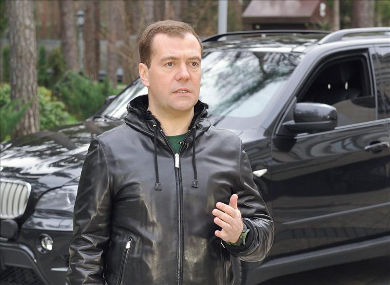 Medvedev se queja de las trabas en Francia a las inversiones rusas