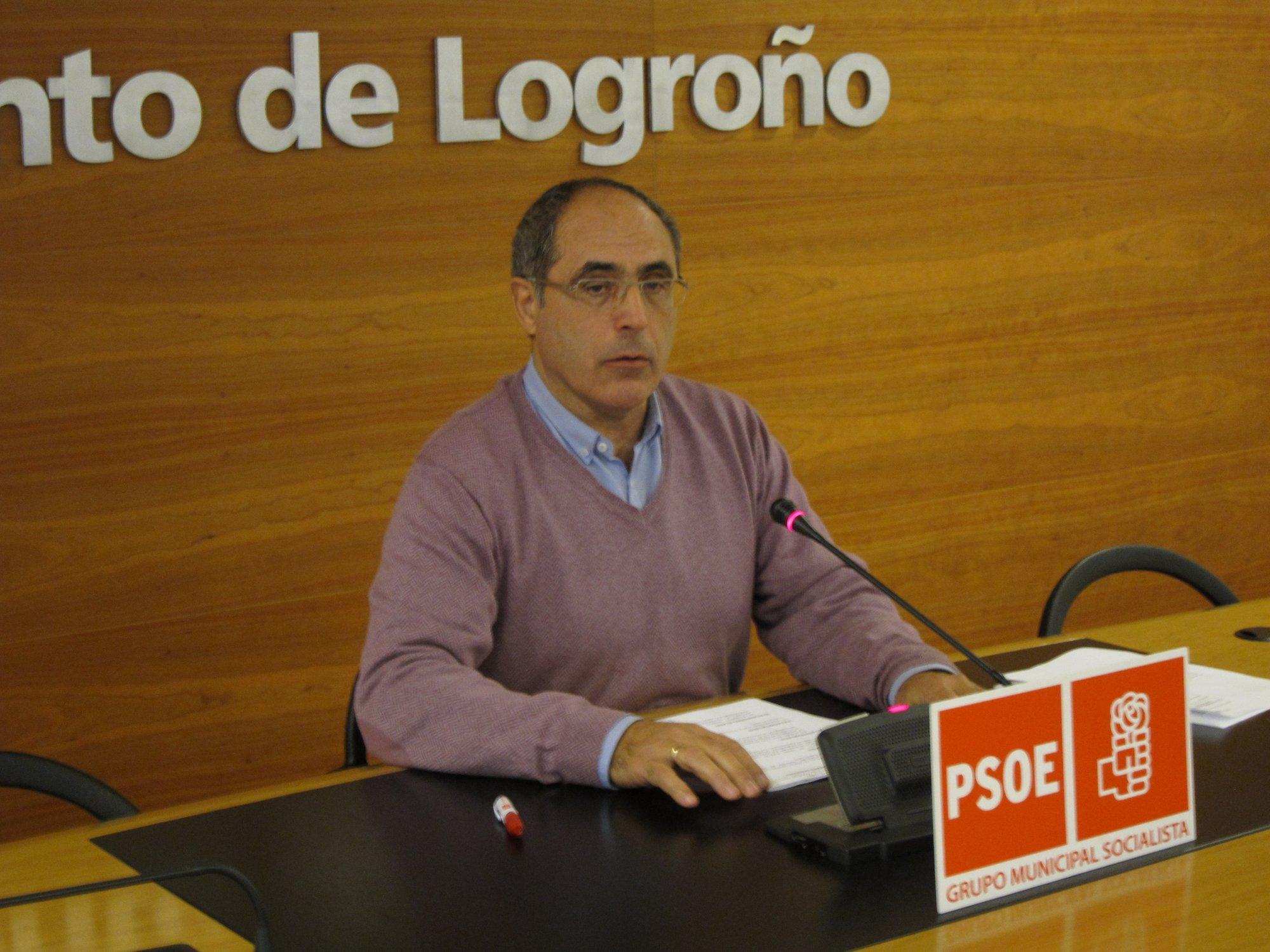 El PSOE pide «se retome» el convenio con la Comunidad para que la calle Piqueras sea municipal «y poder arreglarla»