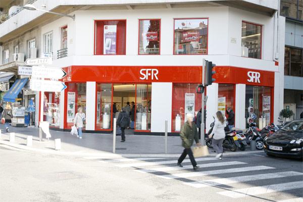 La operadora móvil francesa SFR podría recortar el 10% de empleos