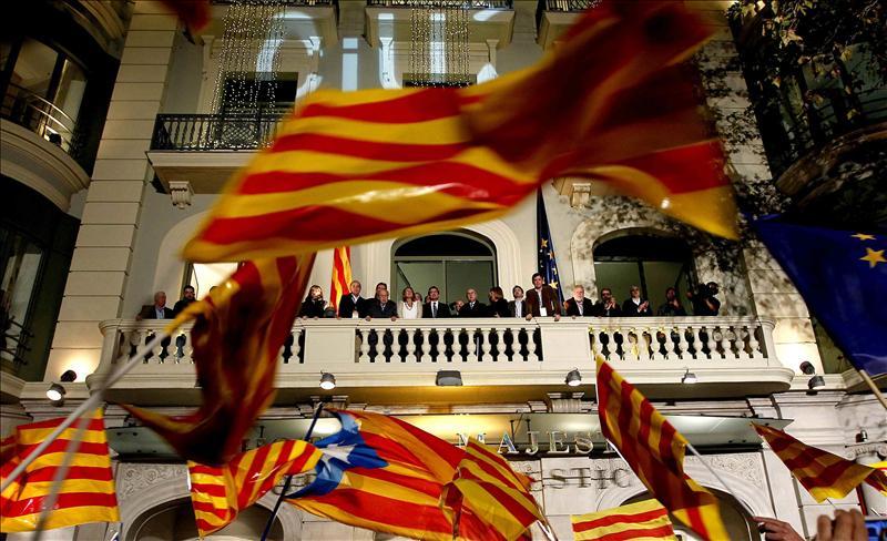 PP y PSOE examinan el resultado de las elecciones Catalanas