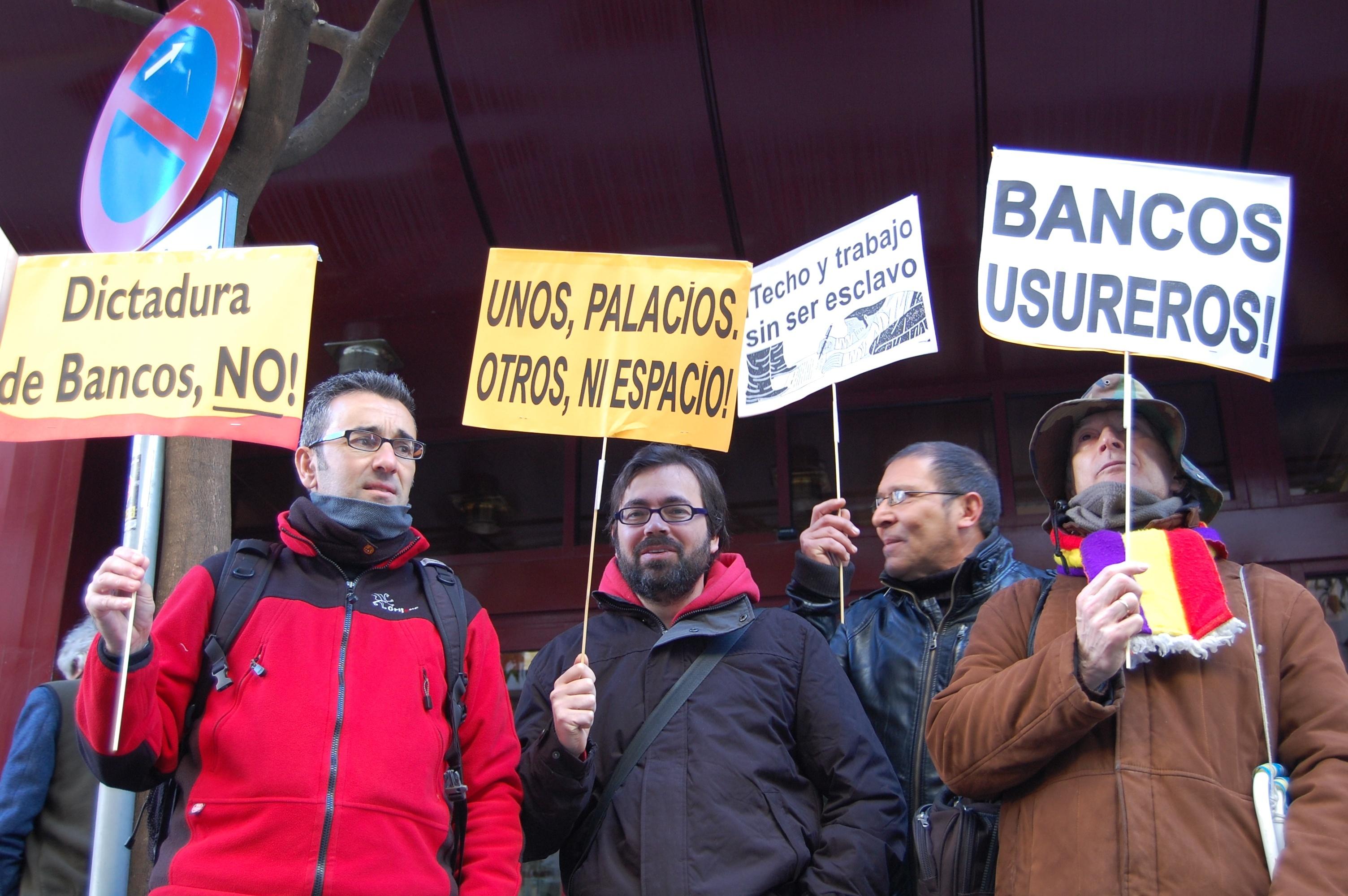 Aplazada tres meses la subasta de la vivienda del polígono San Pablo sometida a desahucio