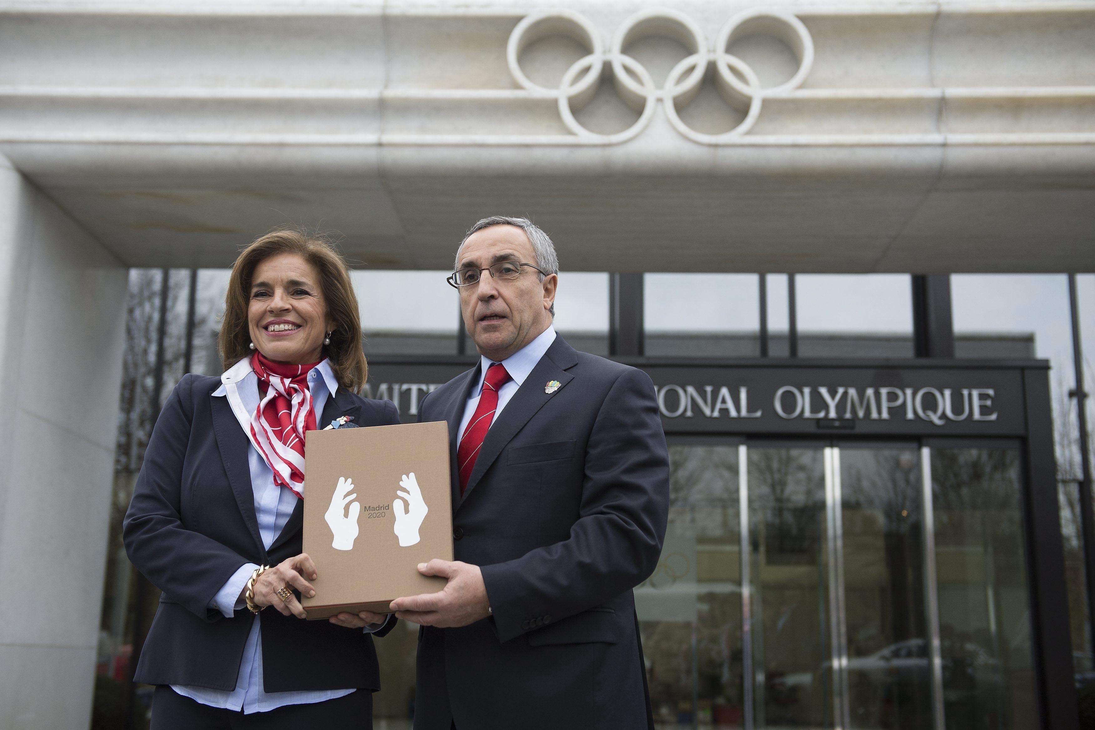 Ana Botella y Blanco entregan este miércoles a Rajoy el Dossier de Madrid 2020