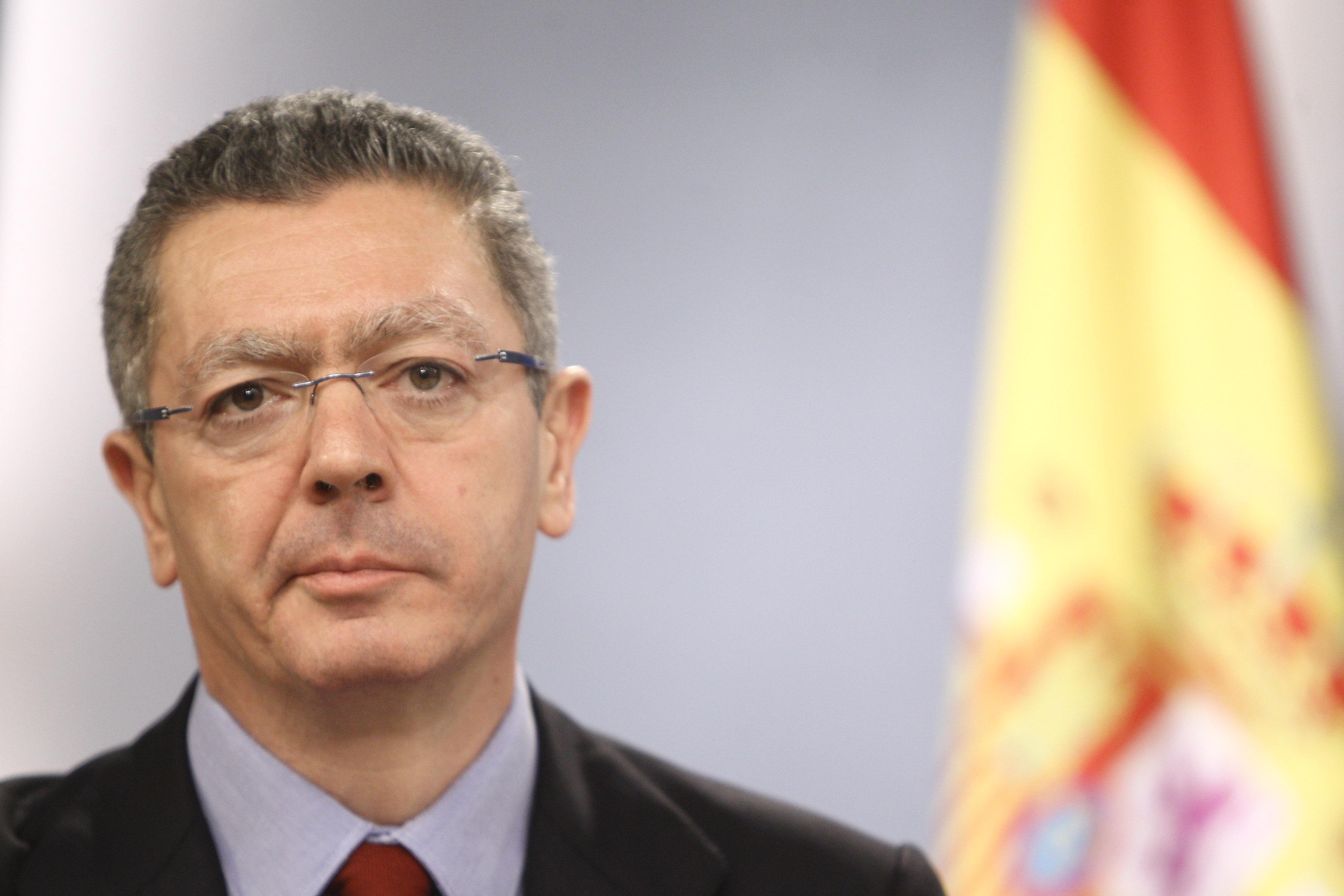 Gallardón avisa que están «vigilantes» con Bildu y dice que los tribunales ya han marcado unas líneas «severas» con ANV