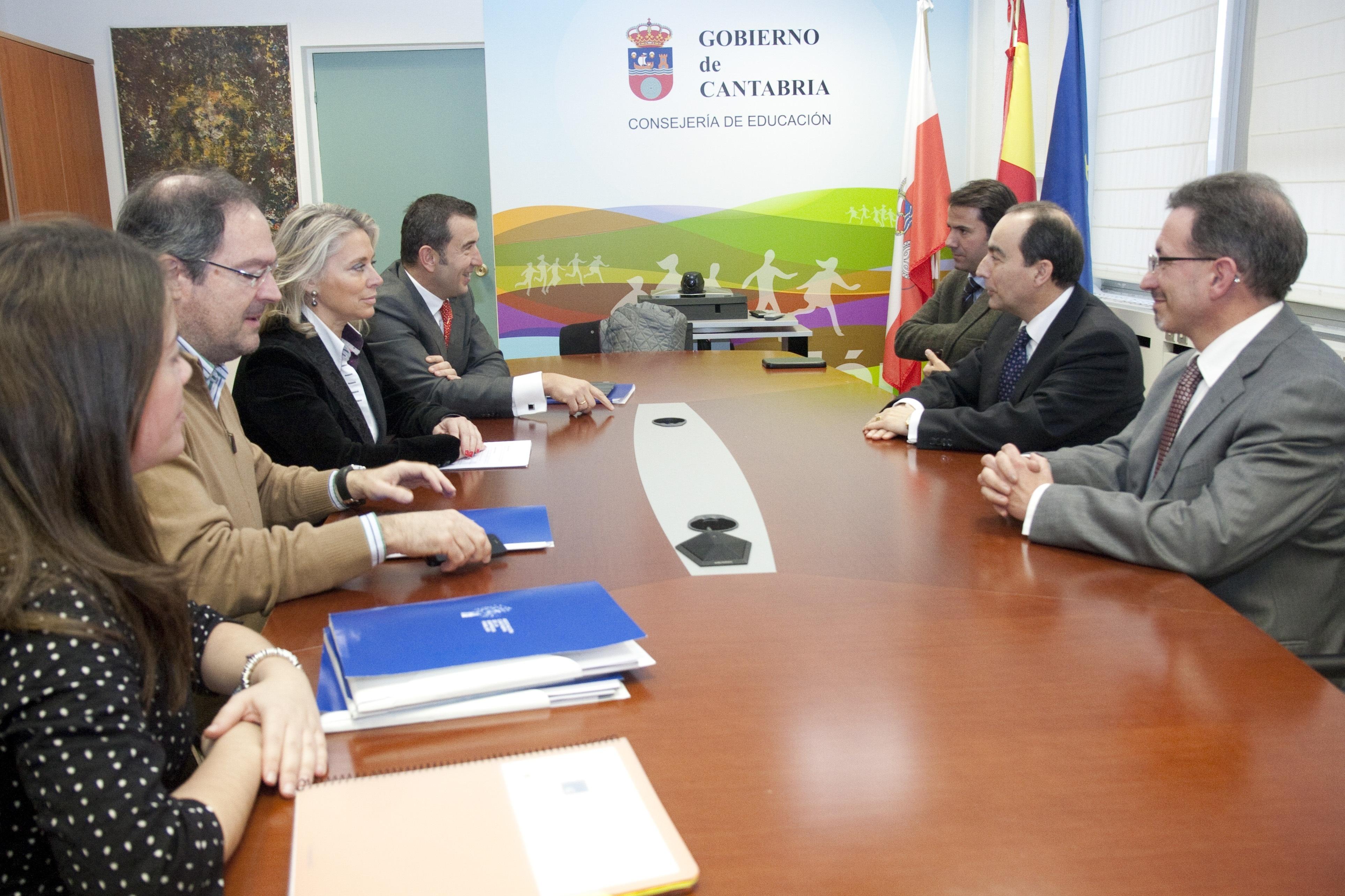 El Gobierno y la Asociación de Empresa Familiar estudiarán líneas de colaboración en Formación Profesional Dual