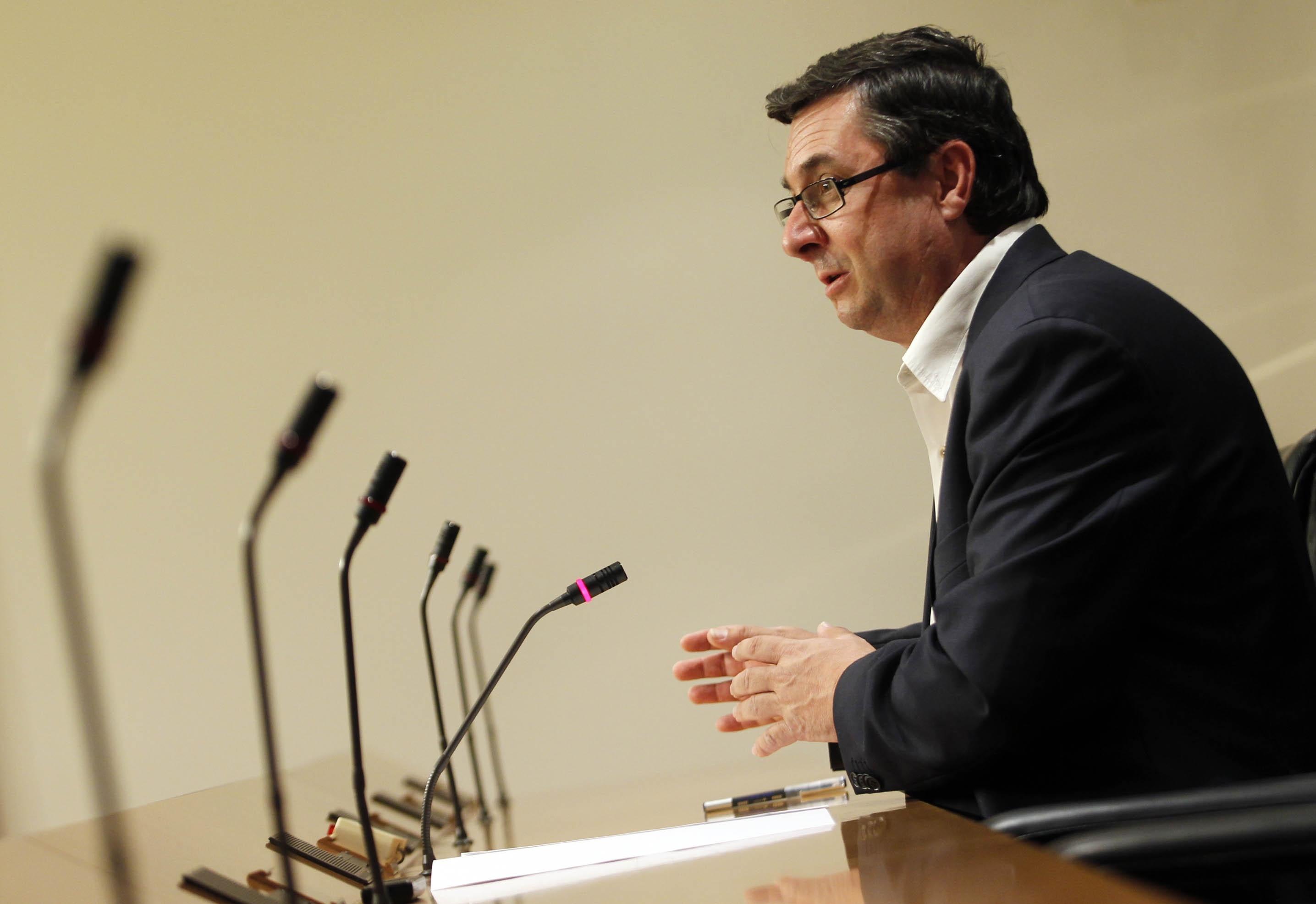 IU avisa a Rubalcaba de que reducir la circunscripción electoral es una «aberración» que fomenta el bipartidismo
