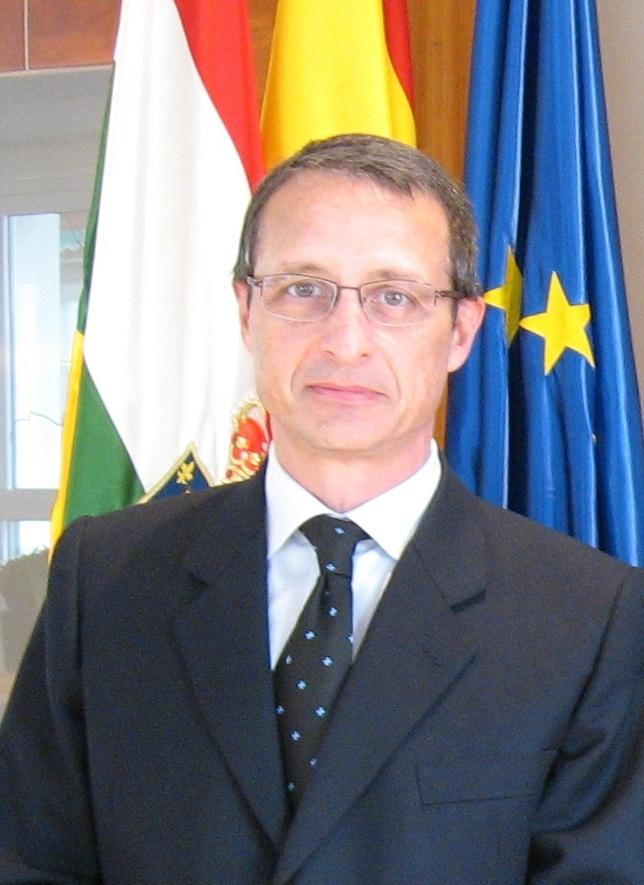 Nieto dice que el nuevo gerente de la FHC es una persona «muy bien formada» y «experto en gestión sanitaria»