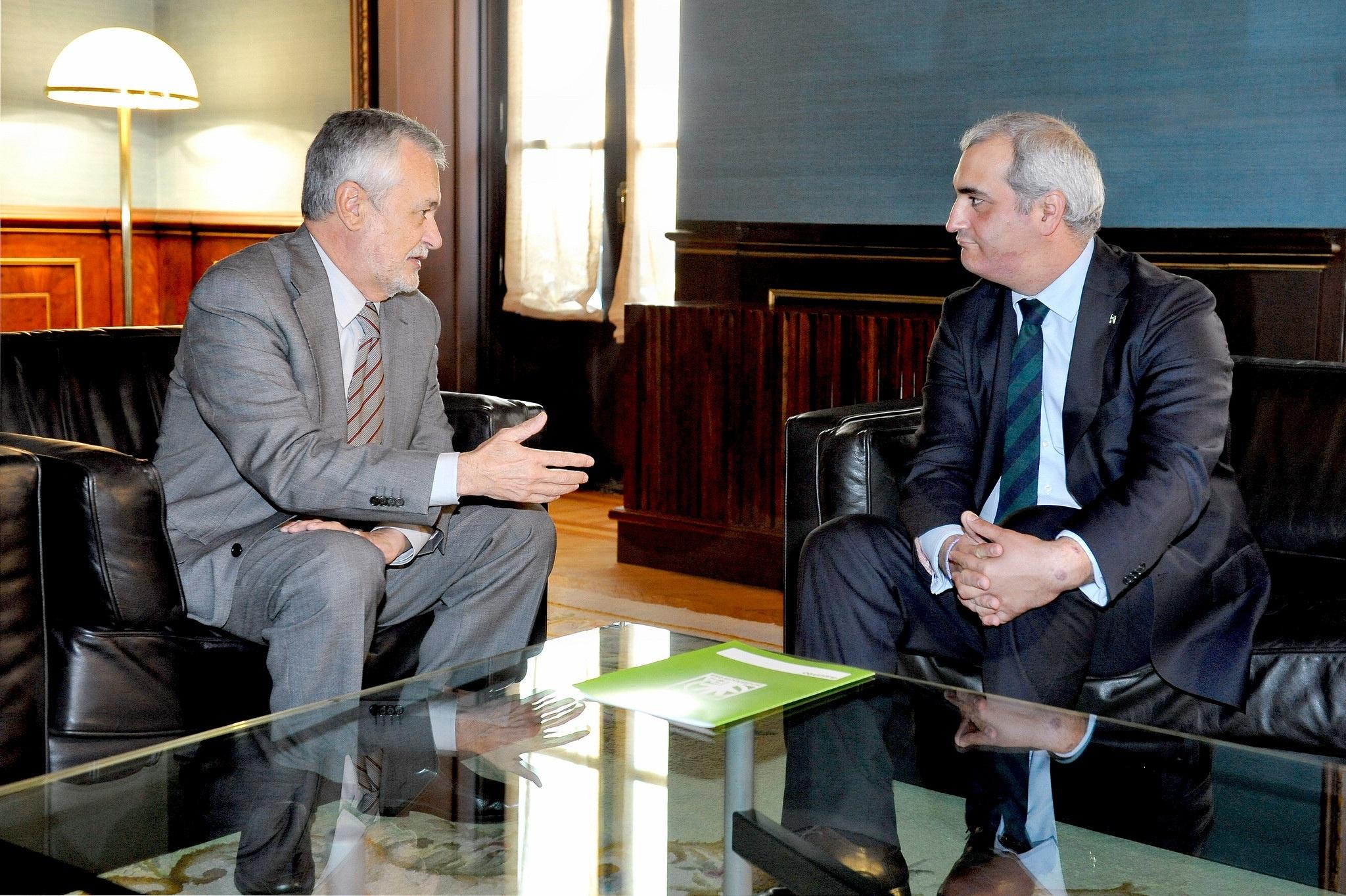 PA se ofrece a trabajar para que el »Pacto por Andalucía» permita cobrar 2.200 millones de »deuda histórica» acumulada