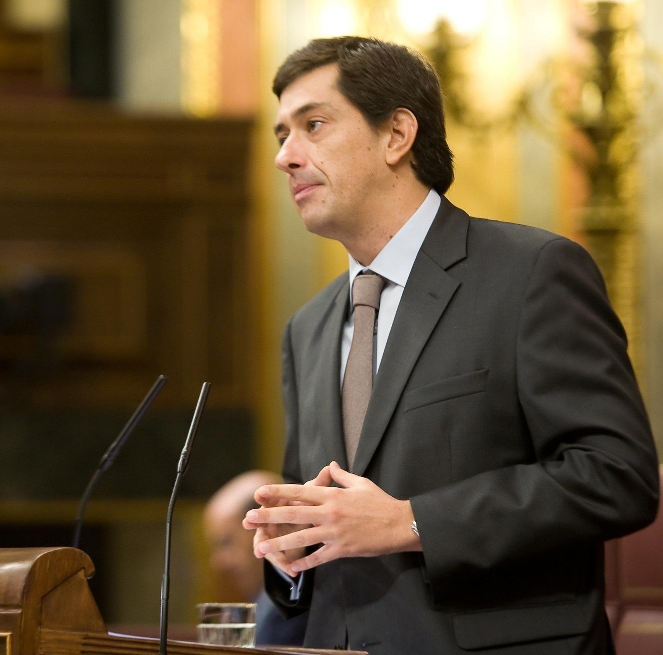 PP acusa a Rubalcaba de ser un «mentiroso compulsivo» cuando habla sobre el déficit y espera cumplir el 6,3%