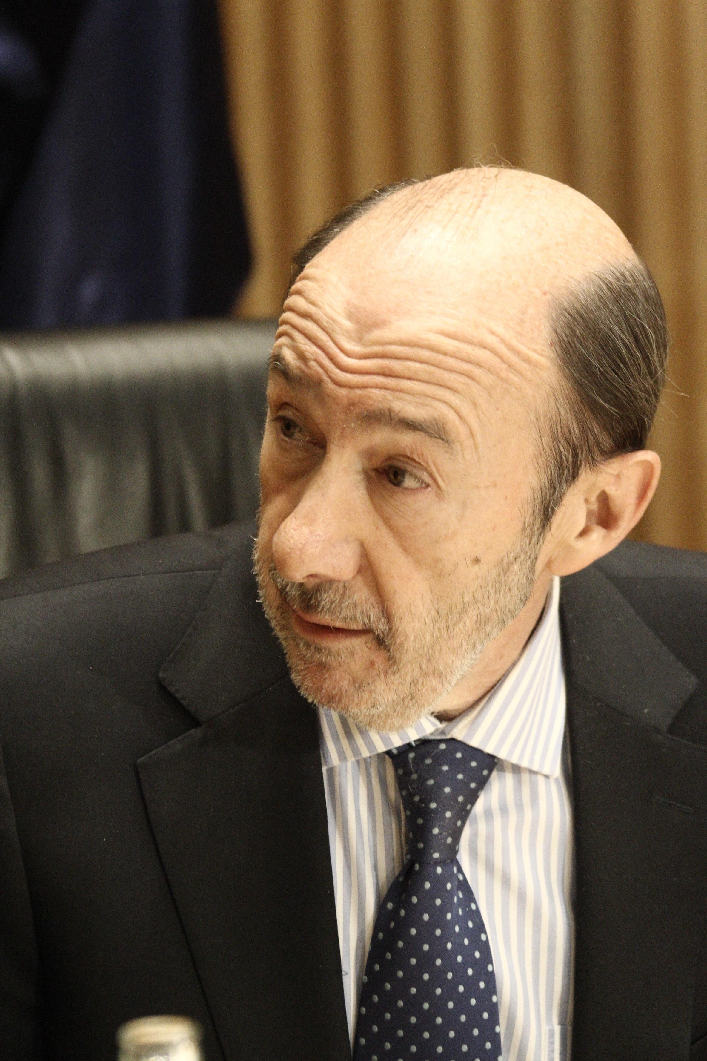 Rubalcaba pone como ejemplo el sistema sanitario andaluz en contraposición a los de las regiones gobernadas por el PP