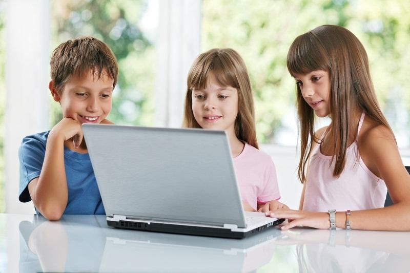 Niños y tecnología: un arma de doble filo, ¿son realmente las pantallas tan perjudiciales?