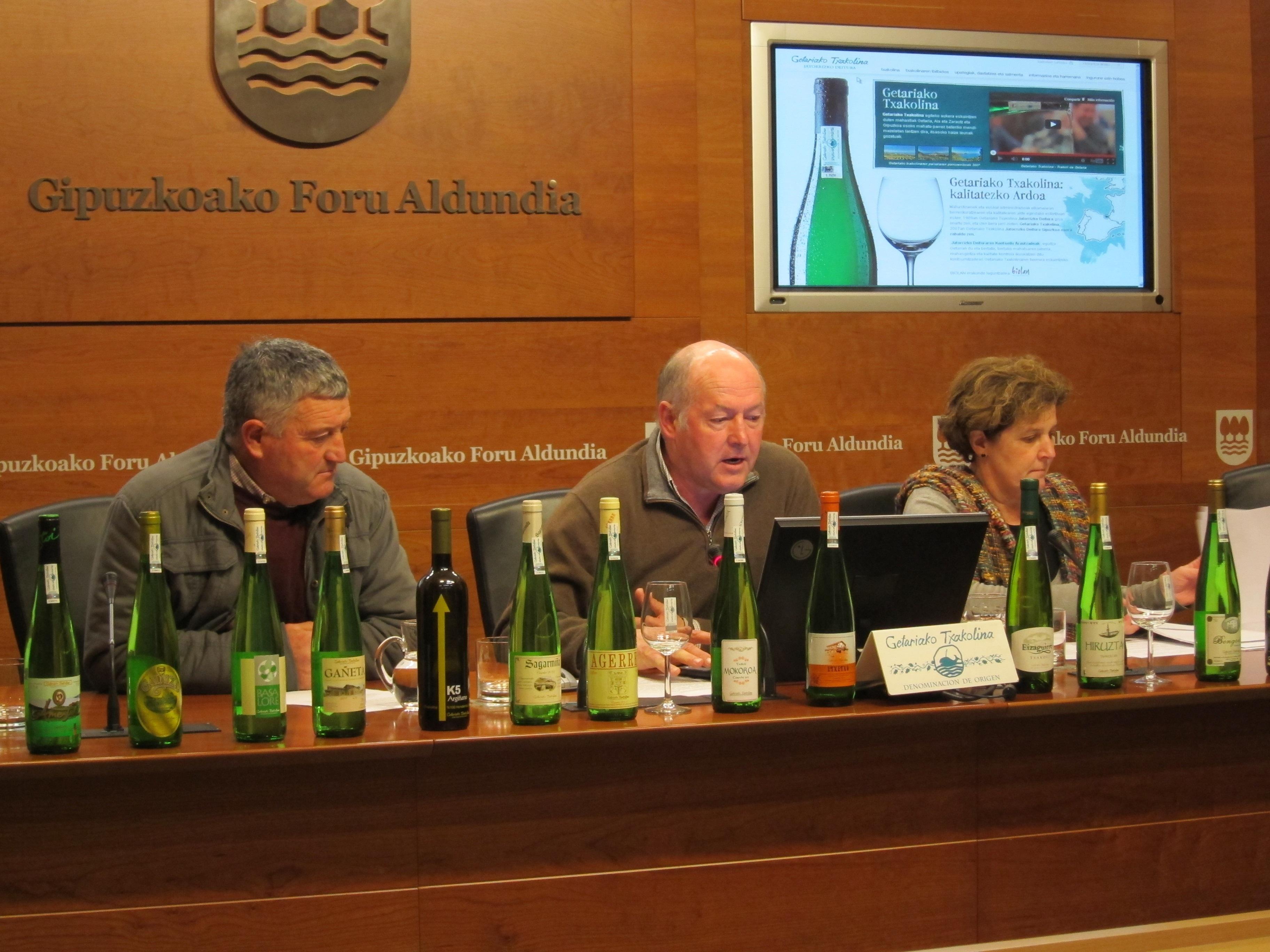 La cosecha de txakoli de Getaria de 2012 asciende a 2,2 millones de litros de un vino «muy afrutado» y con mayor grado