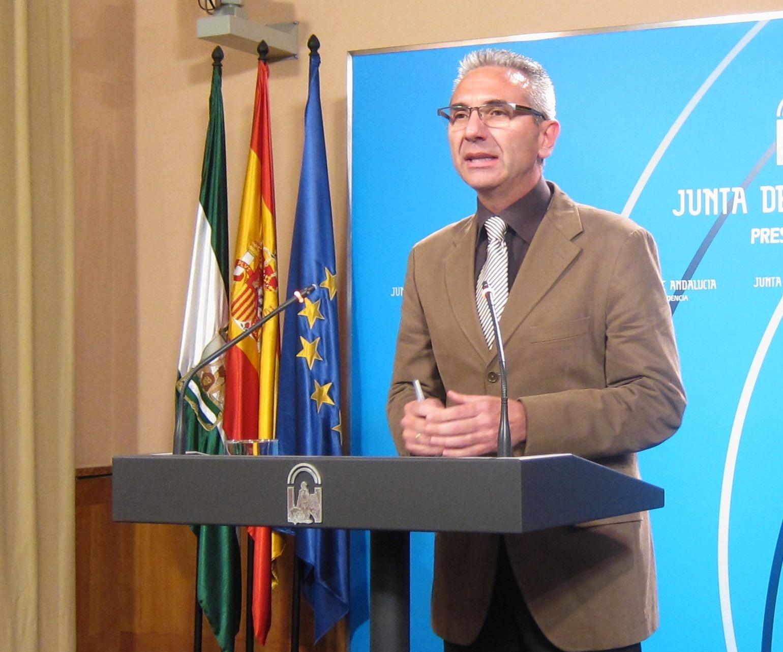 Junta considera el acuerdo de concertación entre Junta, sindicatos y empresarios «el centro» del »pacto por Andalucía»