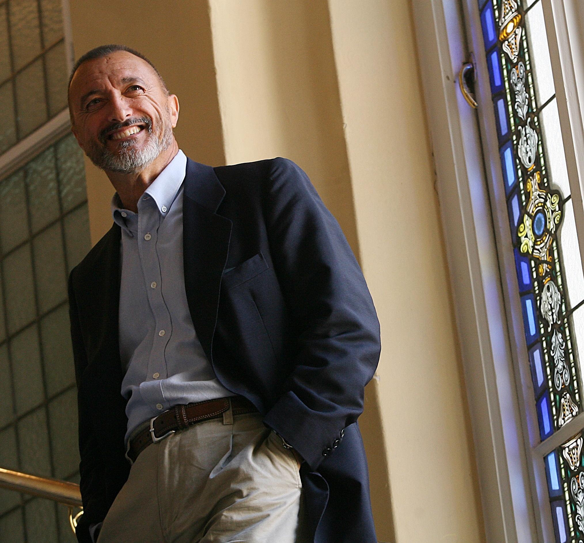 El jurado decide otorgar el Premio Nacional de Periodismo Pedro Antonio de Alarcón a Arturo Pérez Reverte