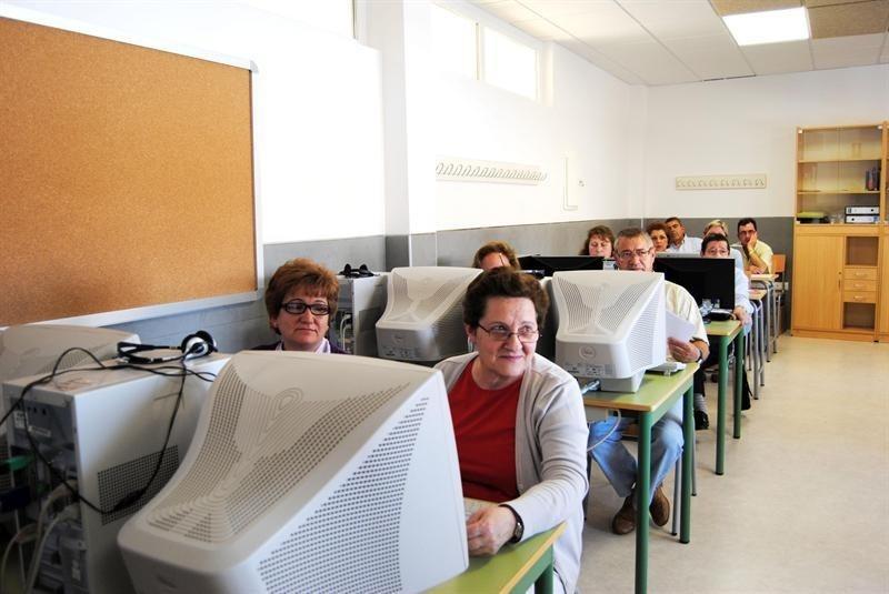 El Plan de Educación de Adultos llegará este año a 87 entidades locales de la provincia