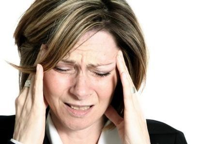 La migraña con aura puede conducir a coágulos sanguíneos y ataques cardiacos en mujeres